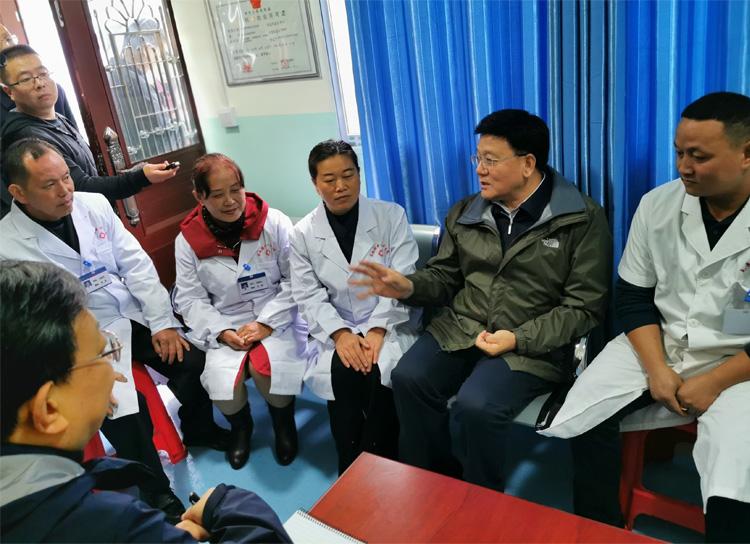 国家卫生健康委副主任王贺胜出席四省(区)健康扶贫和医改工作推进会并在贵州调研